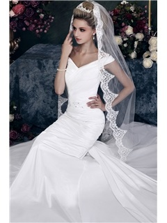 Stylish 1-Layer Chapel Wedding Bridal Veil with Vintage Floral Edge