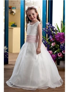 Lovely Ball Gown Floor-length Bateau Bowknot Flower Girl Dress