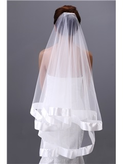 Elegant Fingertip Wedding Veil with Satin Edge