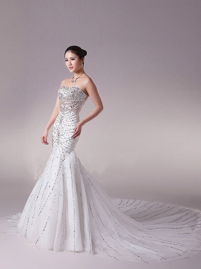 Luxurious Sweetheart Floor -Length Beading Cathedral Train Wedding Dress