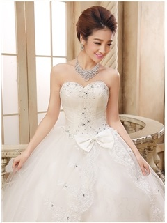 Cute Sweetheart Beaded Lace Appliques Bowknot Ball Gown Wedding Dress