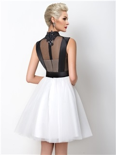 Modern A-Line High Neck Appliques Short Cocktail Dress Designed