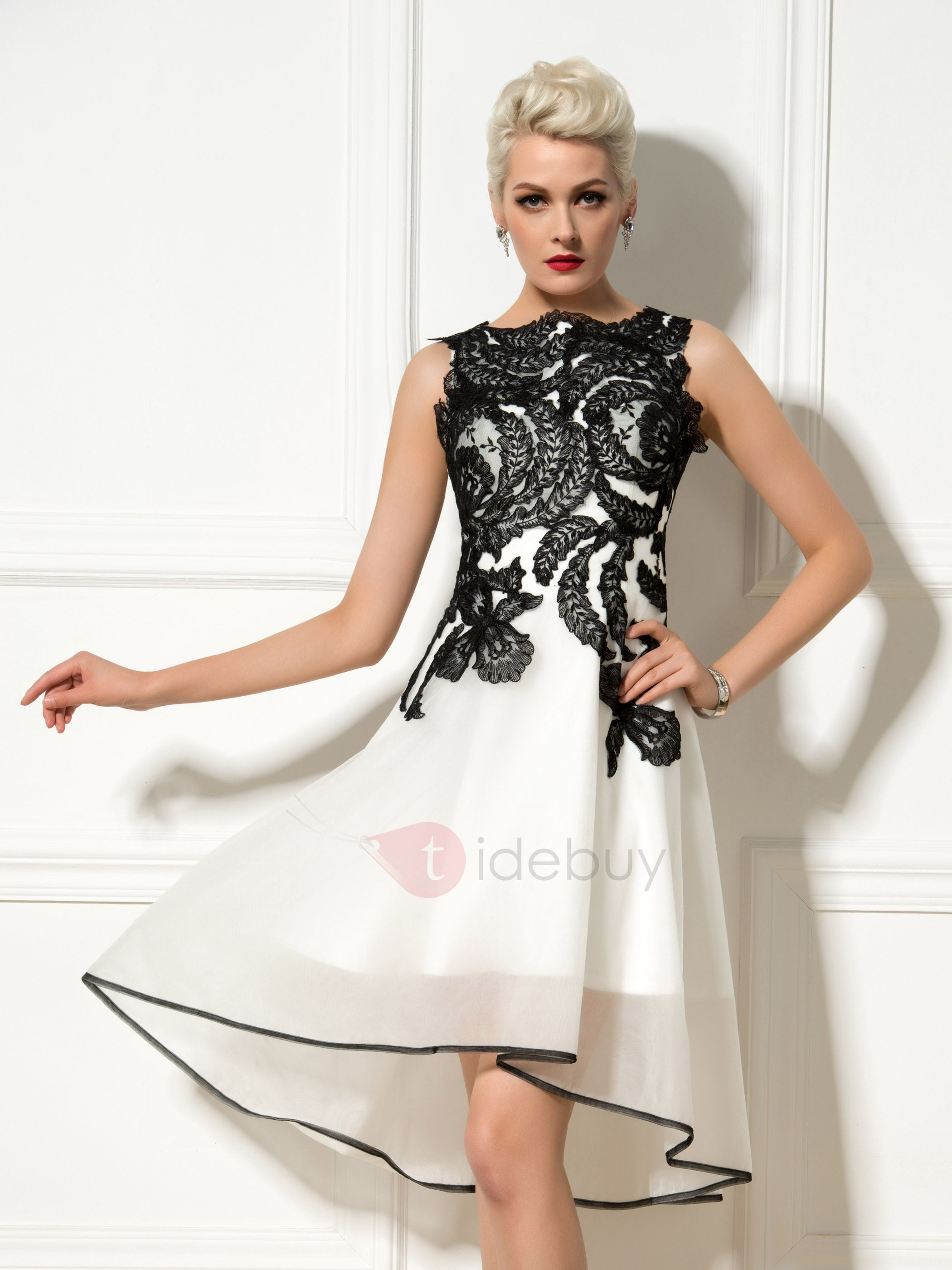 Chic A-Line Bateau Neck Appliques Asymmetrical Cocktail Dress Designed