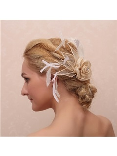 Vintage Flower Shaped Diamond and Feather Decorated Bridal Hair Claw