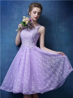 Dramatic Scoop Neck Appliques Lace-up Knee-Length Lace Homecoming Dress