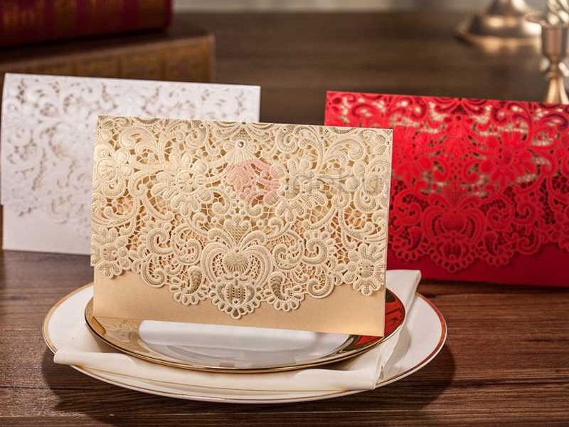 Flower Cut-out Golden Wedding Invitations (20 Pieces One Set)