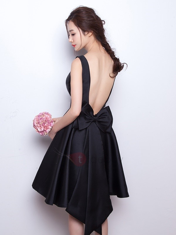 Cool Scoop Neck Bowknot Backless Little Black Dress