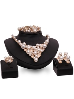 Pearls Inlaid Four Pieces Jewelry Set