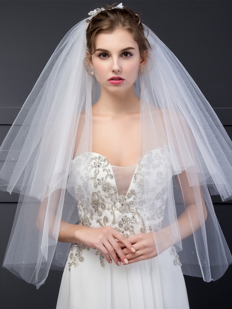 Graceful Wedding Bridal Veil With Flowers