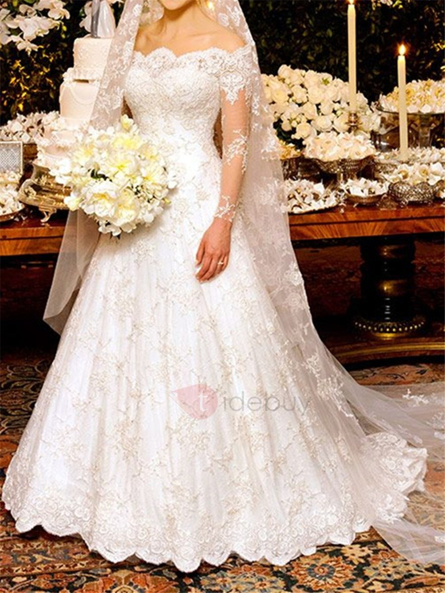 A-Line Appliques Lace Wedding Dress with Long Sleeves