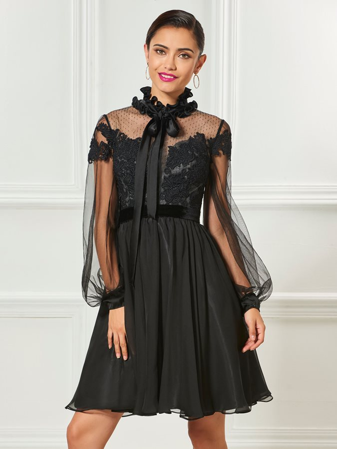 High Neck Appliques Bowknot Black Cocktail Dress