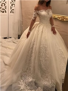 Vintage Appliques Ball Gown Wedding Dress with Long Sleeve 28