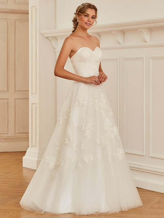 Dramatic Strapless Appliques A-Line Wedding Dress