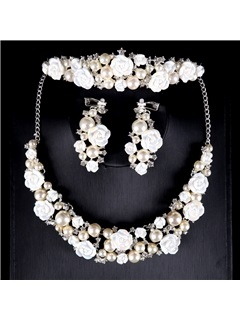 Two Zone Pearl Flower Romantic Wedding Jewelry Sets(Including Headpiece ,Necklace and Earrings) 15