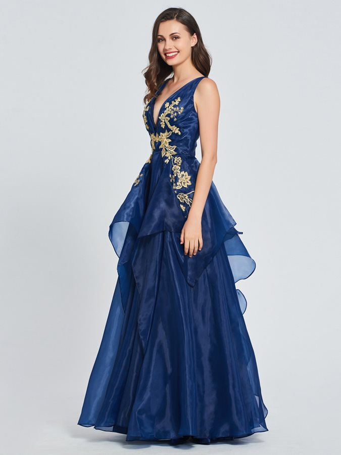 Appliques Tiered V-Neck Prom Dress