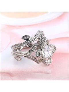 Hollow Out Rose Shape Zircon Decorated Alloy Ring 1