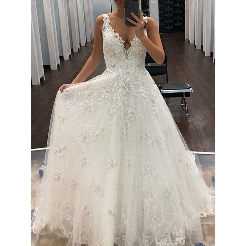 Appliques V-Neck Beading Outdoor Wedding Dress 2019
