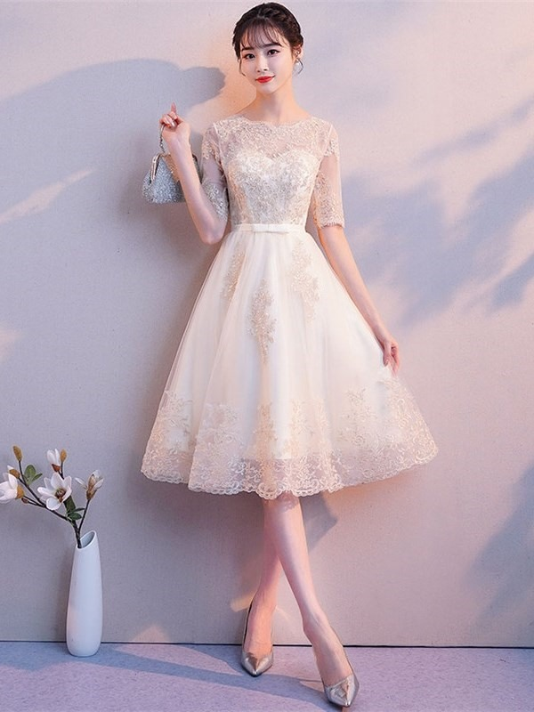 Appliques Scoop A-Line Knee-Length Homecoming Dress 2019