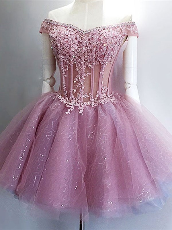 Ball Gown Short Sleeves Appliques Mini Homecoming Dress 2019