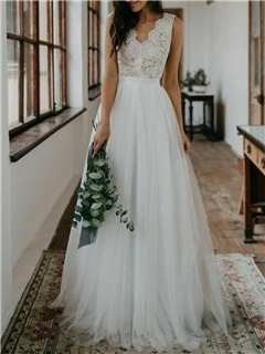 A-Line V-Neck Low Back Lace Wedding Dress 2019 1
