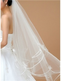 Faddish Waltz Length White Tulle Embroider Wedding Veil