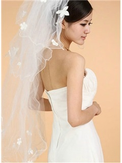 Delicate Elbow Wedding Veil With Applique Edge