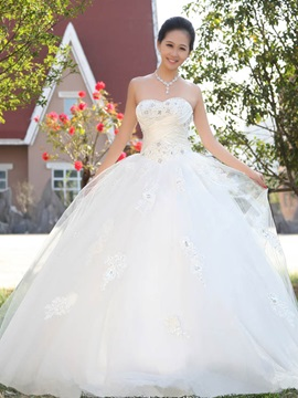 Stunning Ball Gown Floor Length Sweetheart Applqiues Wedding Dress