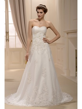 Pretty A Line Sweetheart Appliques Sweeping Train Wedding Dress