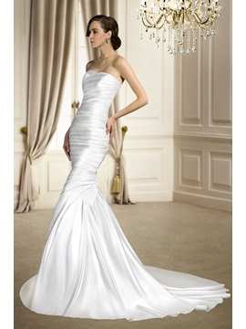 Trumpet Mermaid Sleeveless Ruched Sweetheart Court Train Matte Satin Wedding Dress
