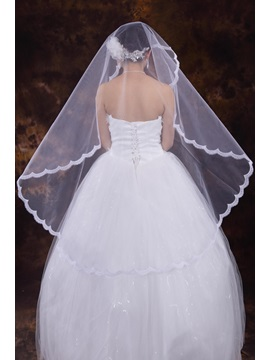 Superior White Tull Fingertip Veil With Appliques Edge