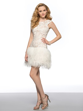 Vogue Scoop Neck Lace Backless Column Short Homecoming Cocktail Dress