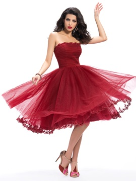 Red Strapless Appliques A Line Knee Length Cocktail Dress