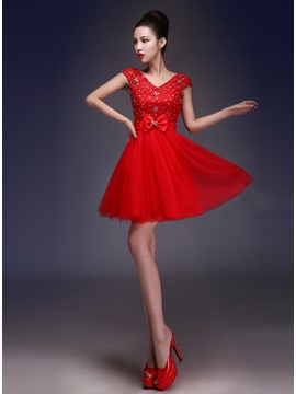 Fine V Neck Straps Lace Beading Lace Up Bowknot Short Sweet 16 Dress