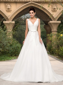 Bowknot Lace Appliques V Neck A Line Tulle Wedding Dress