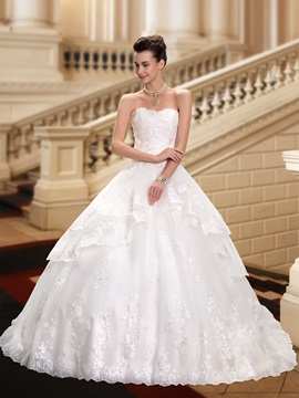 Eye Catching Strapless Lace Appliques Ball Gown Wedding Dress