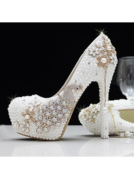 Trendy Round Toe Pearl High Heel Wedding Shoes