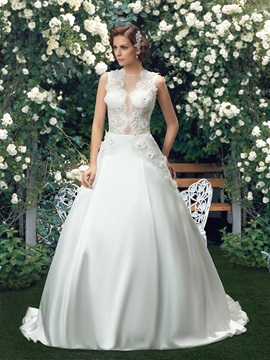 Eye Catching Jewel Neck Lace Flower Button Zipper Up Wedding Dress