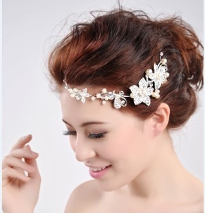 White Alloy With Pearls Bridal Head Flower
