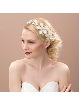 Charming Floral Wedding Headpiece