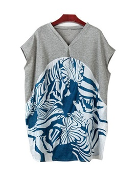 Plus Size Pockets Print T Shirt
