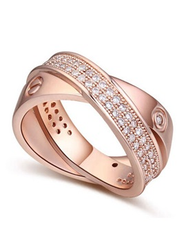 Delicate Crisscross Diamond Decorated Alloy Ring