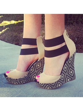 Geometric Peep Toe Wedge Sandals
