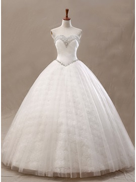 Beading Sweetheart Ivory Tulle Ball Gown Wedding Dress