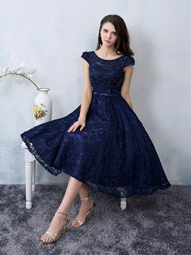 Cool Scoop Neck Beading Knee Length Lace Cocktail Dress