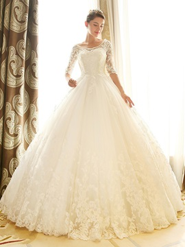 Scoop Neck Lace Half Sleeve Chapel Wedding Dress