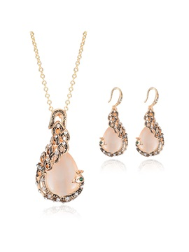 Hot Sale Rhinestones Banquet Women Jewelry Set Including Necklace And Earrings