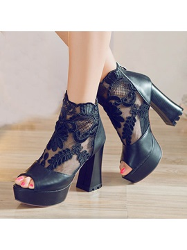 Lace Patchwork Peep Toe Chunky Heel Pumps
