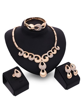 Elegant Alloy Hollow Women Jewelry Set