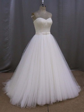 Luxury Sweetheart Beadings Ball Gown Wedding Dress