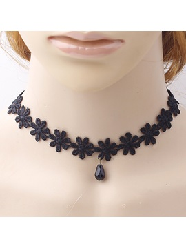 Black Flowers Lace Necklace